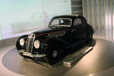 gallery/bmw-museum-074