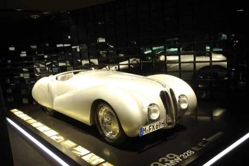 gallery/bmw-museum-079